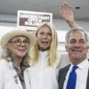 Academy award-winning actress Gwyneth Paltrow(C), poses with her actress mother, Blythe Danner(L), and Gary Hirshberg(R)