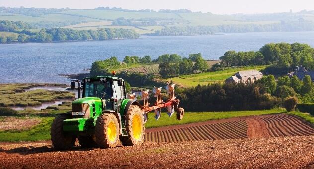 uk farmer here s how the herbicide glyphosate helps me farm